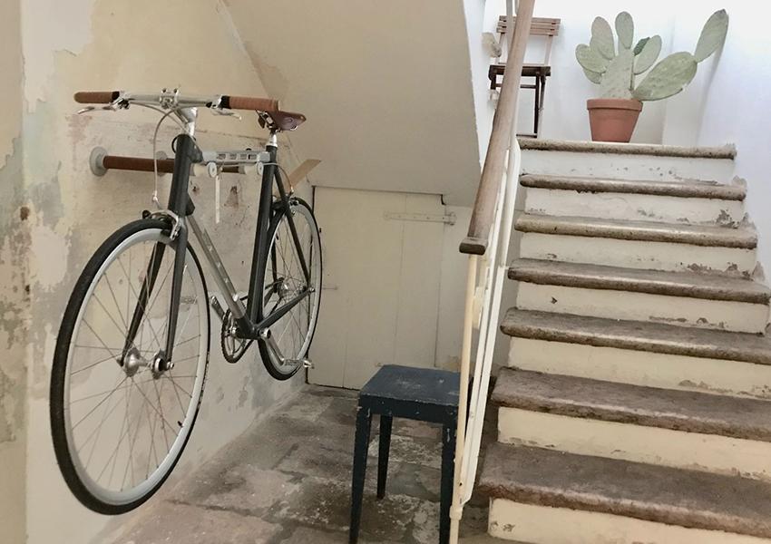 Brooks - bike shelf